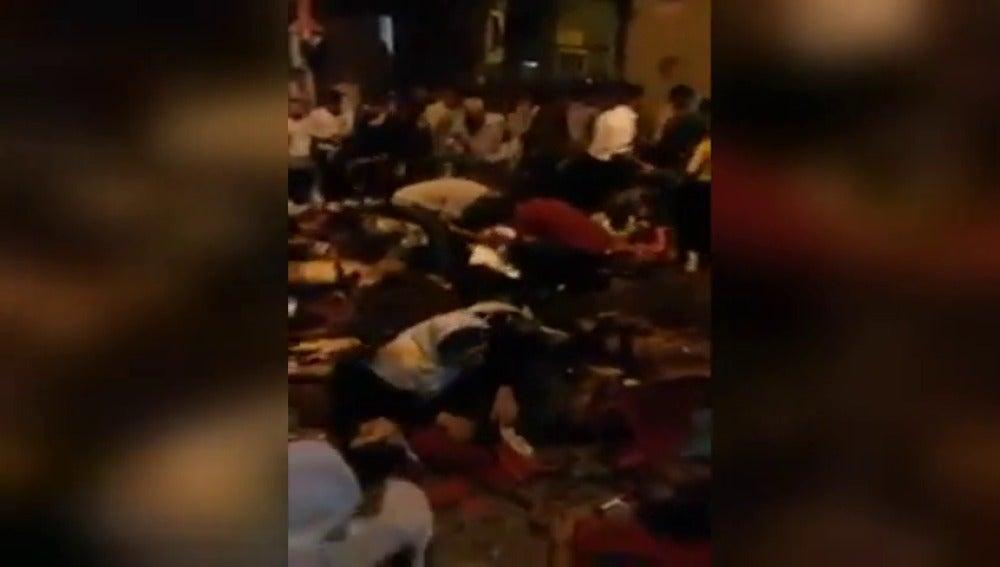 Frame 19.255817 de: Al menos 22 de los fallecidos por el atentado suicida en Turquía eran menores de 14 años