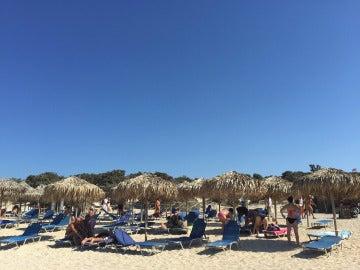 Turistas en la isla de Creta