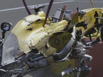 El coche de Magnussen, destrozado
