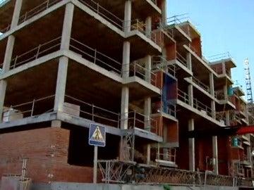 Frame 73.279413 de: El precio medio de la vivienda en España sube el 7,5%