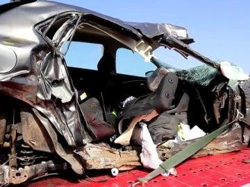 Frame 36.511685 de: Una familia muere en un accidente de tráfico al noreste de Mallorca
