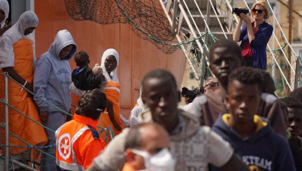 Inmigrantes rescatados en Italia