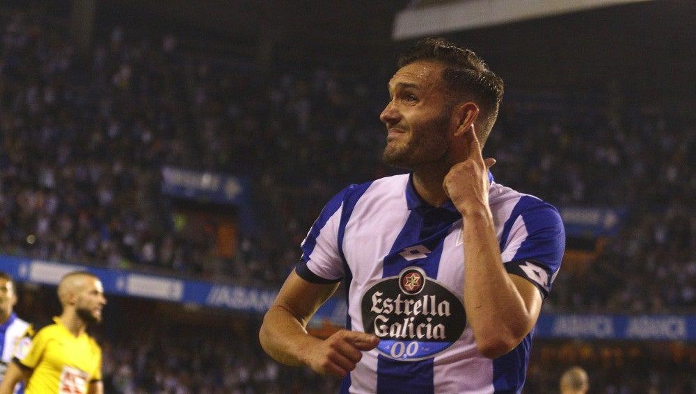 Lucas Pérez en un partido con el Deportivo de la Coruña
