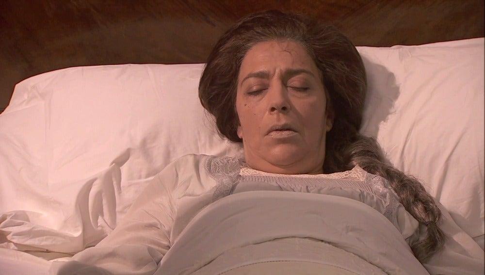Emilia visita a la convaleciente Francisca