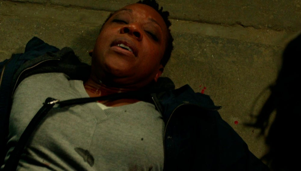 Mayfair muere en los brazos de Jane