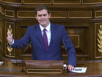"Frame 20.230793 de: Rivera echa en cara a Iglesias sus ""insultos"" a Felipe González y Adolfo Suárez"