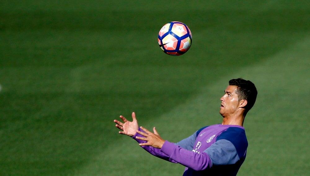 Cristiano Ronaldo prepara su vuelta a los terrenos de juego