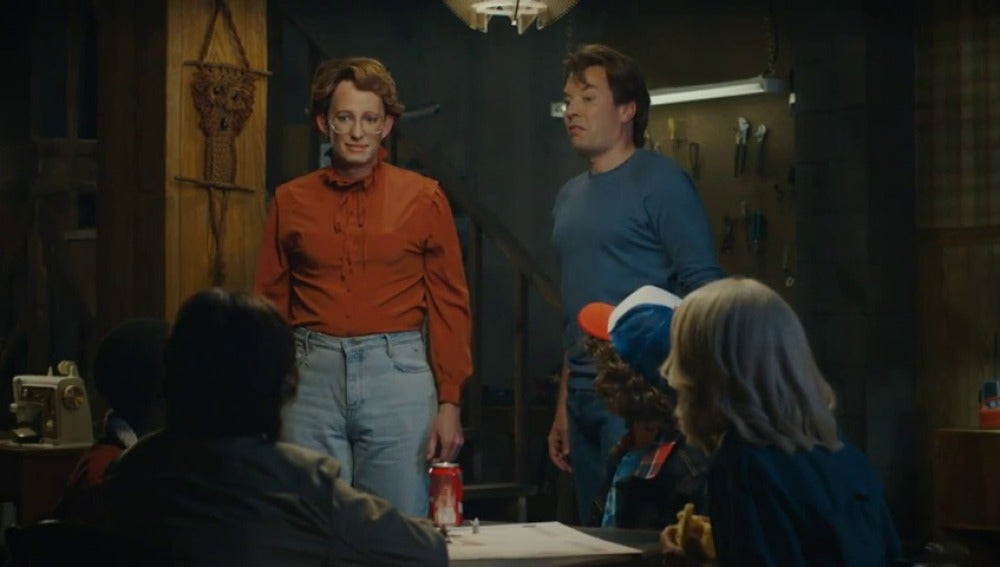 Frame 59.223629 de: Barb regresa a 'Stranger Things' gracias a Jimmy Fallon