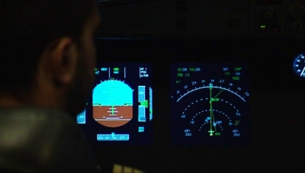 Frame 41.416213 de: Entrenamiento específico de los pilotos para evitar turbulencias