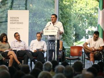 El dirigente de la izquierda abertzale Arnaldo Otegi en la presentación de la propuesta 'Denon Herria-Un país compartido'