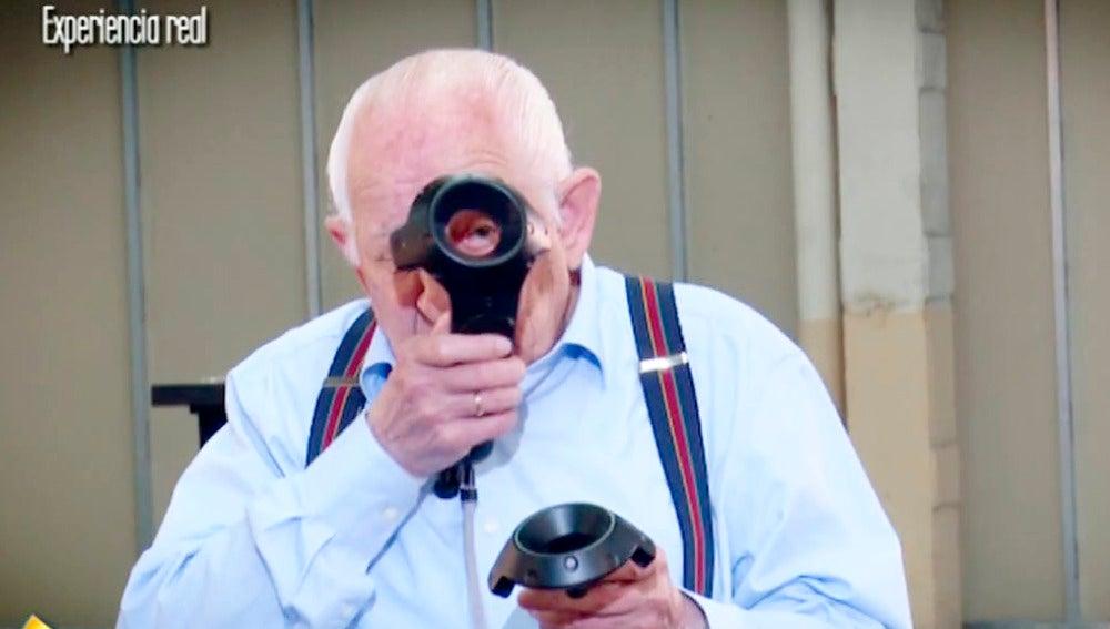 ¿Qué pasa cuando un señor de 90 años descubre la realidad virtual?