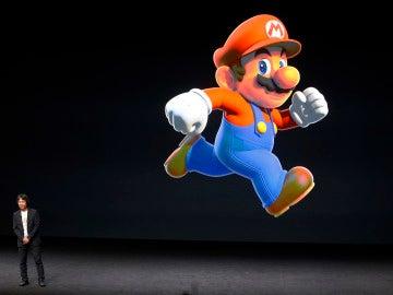 El creador de Mario Shigeru Miyamoto presentando 'Super Mario Run'
