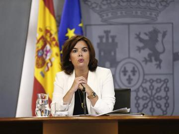 La vicepresidenta del Gobierno, Soraya Sáenz de Santamaría tras el Consejo de ministros.