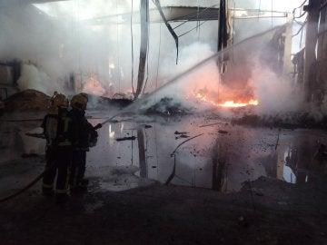 Incendio en una planta de tratamiento de pan