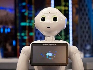 El robot José Miguel debuta en 'El Hormiguero 3.0' marcándose un baile
