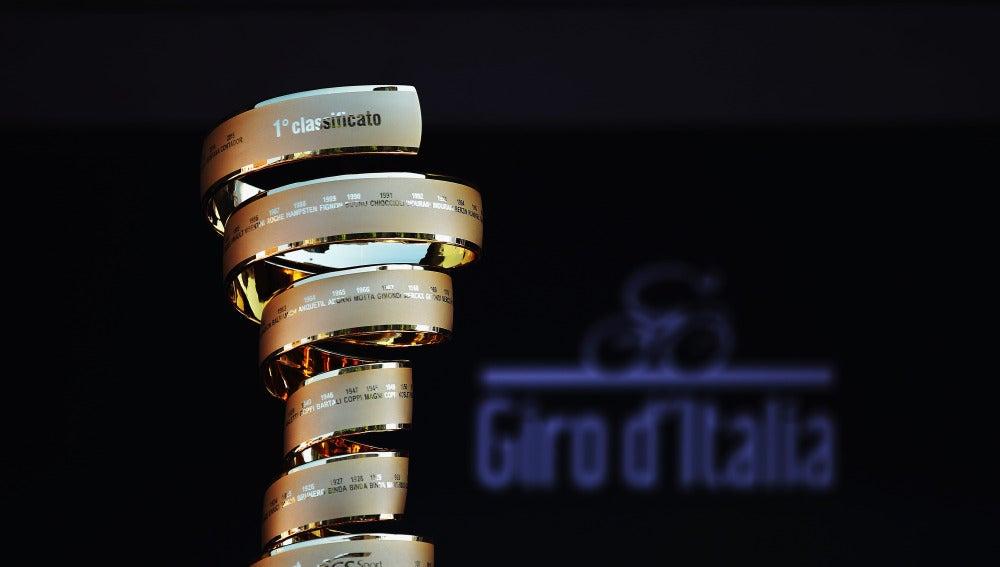 El trofeo del Giro de Italia.