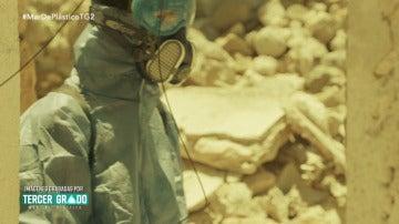Nueva pista sobre el asesino: el traje de fumigador