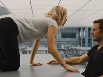 Jennifer Lawrence y Chris Pratt en 'Passengers'