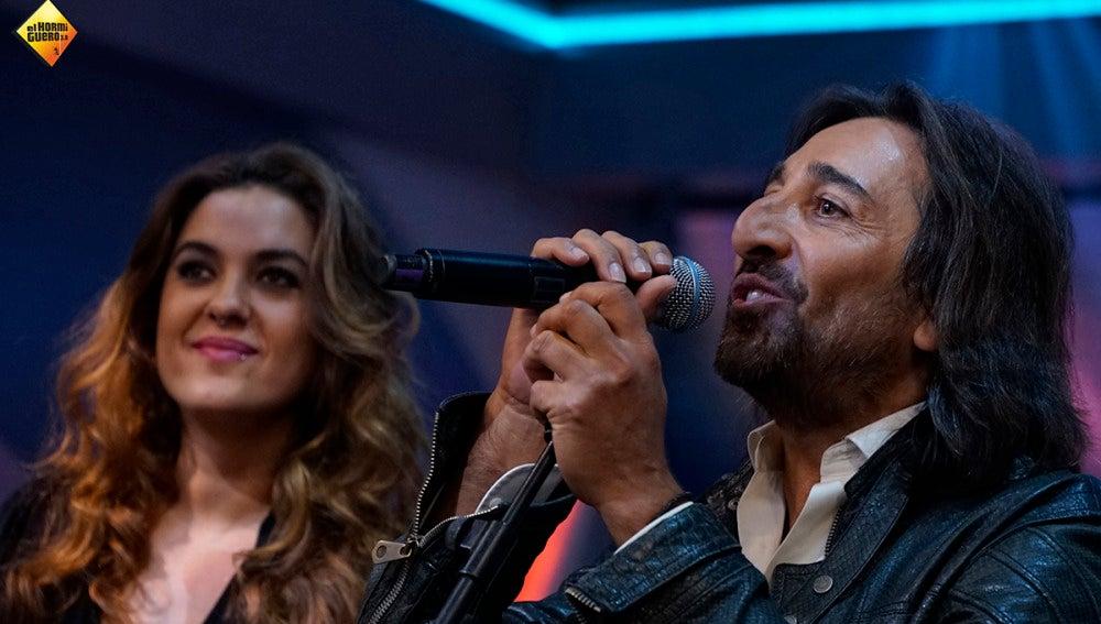 Emilio Aragón estrena sección en 'El Hormiguero' versionando a Nino Bravo junto a Antonio Carmona y Alba Molina