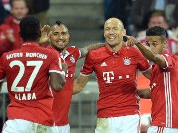 Robben festeja su gol ante el Hertha.