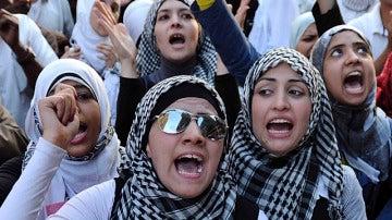 Varias mujeres se manifiestan en Egipto