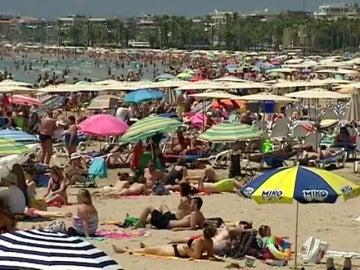 Frame 0.856963 de: El sector turístico español quiere situarse a la cabeza de los destinos inteligentes
