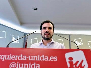 El coordinador federal de IU, Alberto Garzón, durante una rueda de prensa.