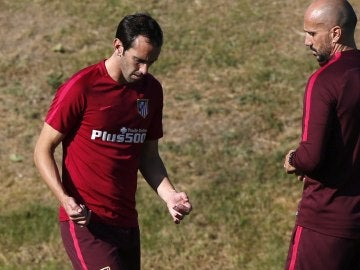 Godín se entrena con el Atlético