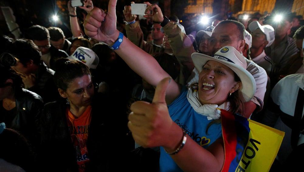 Seguidores del 'no' celebran la victoria