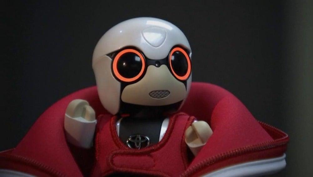 Frame 19.01169 de: El Robot mini Kirobo saldrá a la venta en Japón el 2017