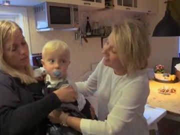 Frame 36.628958 de: Nace el bebe de una mujer a la que trasplantaron el útero de su madre