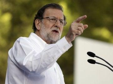 El jefe del Ejecutivo en funciones, Mariano Rajoy,durante su intervención en el acto del Día del Afiliado del PP de Aragón