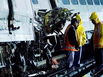 Tren descarrilado en Long Island, Nueva York