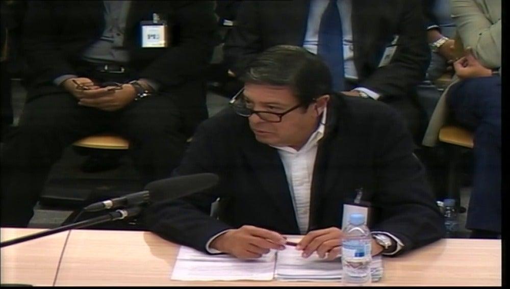 Frame 3.140466 de: Exsecretario de Caja Madrid dice que no era él quien explicaba las tarjetas