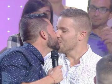 """Valerio: """"Me gustaría que te casaras conmigo Carlos"""""""