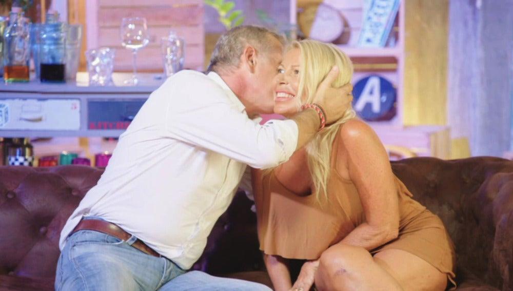 Los juguetes eróticos invaden 'El loft del amor'