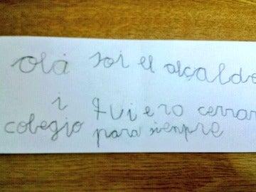 La nota que el niño dio a su profesora