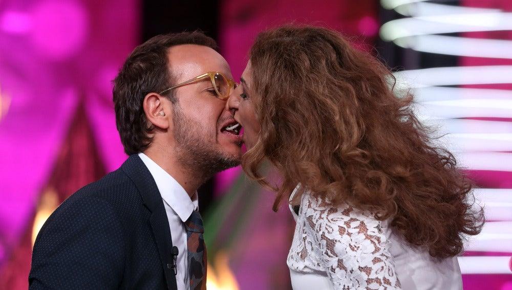 Lolita y Àngel Llàcer se proclaman ganadores del concurso de los besos más dulces de 'Tu cara me suena 5'