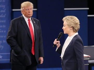 El candidato a la presidencia ha lanzado un histórico ataque a su contrincante Hillary Clinton: que toma drogas.