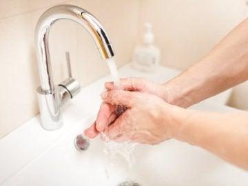 El gesto de lavarse las manos