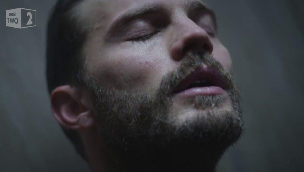 Frame 54.366328 de: Métete en la ducha con Jamie Dornan en 'The Fall'