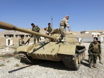 Combatientes kurdo-iraquíes de las fuerzas militares de Peshmerga de Basheqa