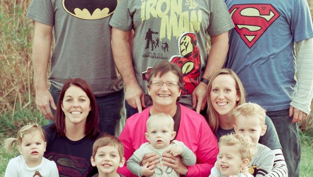 Michelle Fadel con su familia