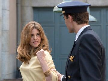 Cristina se enfrenta a Carlos tras descubrir el secreto de las cartas de Alberto
