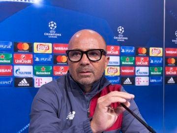 El entrenador del Sevilla, Jorge Sampaoli, en la rueda de prensa previa al choque ante el Dinamo Zagreb