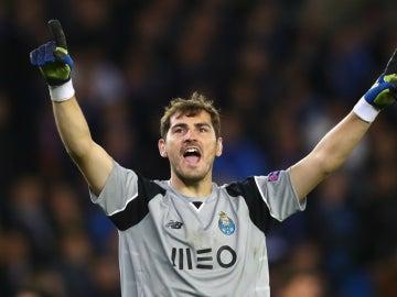 Casillas celebra una victoria