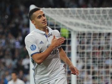 Lucas Vázquez celebra un gol