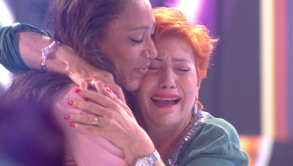 Madre e hija se prometen un futuro juntas