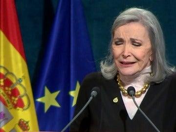 Frame 181.091111 de: Emocionante discurso de Nuria Espert en la ceremonia de entrega de los Premios Princesa de Asturias