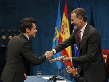 Javier Gómez Noya recoge el Princesa de Asturias
